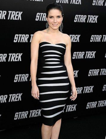 Collection Black And White Dresses For Women Pictures - Reikian