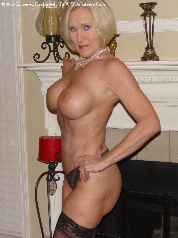 Mature ladies nude natural
