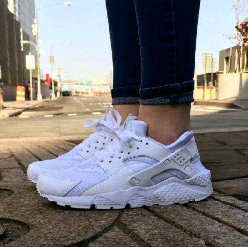 separation shoes f6ab2 b2e36 9 WOMEN S Nike Air Huarache Run Triple White Running Casual classic 634835  108 - Nike Airs