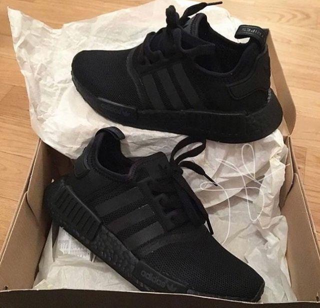 c695bac3c2 Tênis Adidas NMD black na caixa