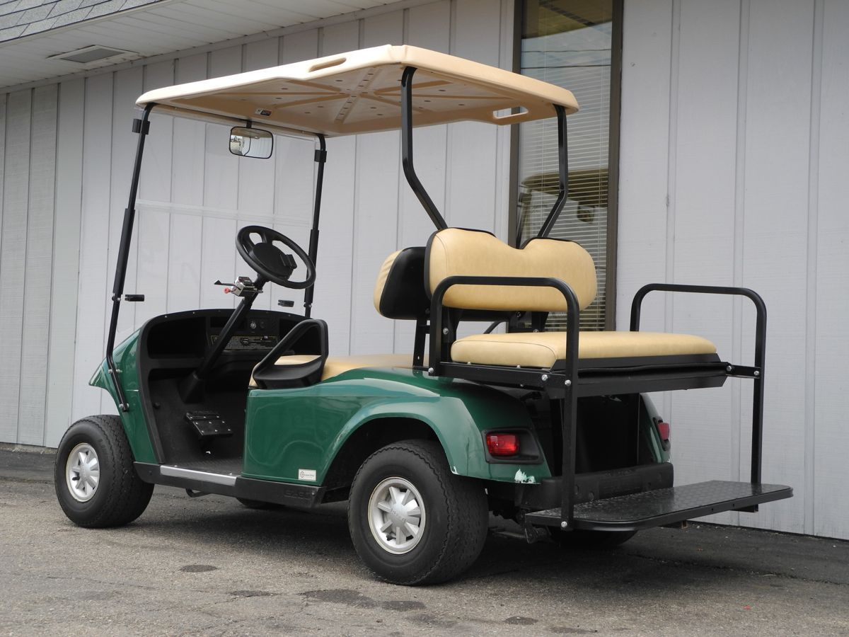 This 2009 E Z Go Pds Electric Golf Car Is Street Ready With Premium Lights Folding Windshield Rear View Mirror Used Golf Carts Golf Car Golf Cart Batteries