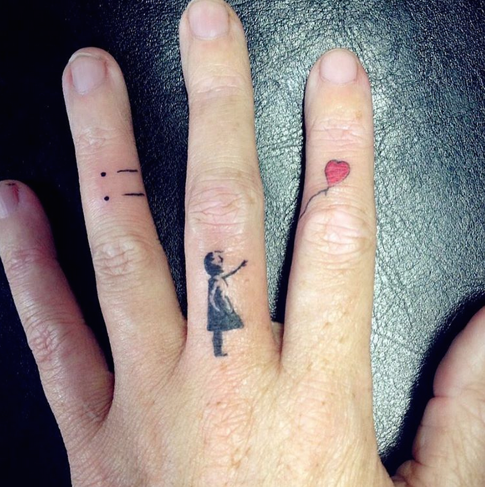bb2195e56 25 Tiny Finger Tattoos You'll Want to Get Right Now | Tattoos ...
