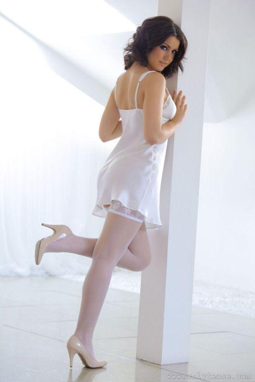 Sexy, Hot, long Legs, lange Beine, Hold-Up Stockings, Stay-Ups, Thigh Highs, halterlose Strümpfe, Lingerie, Dessous, Unterwäsche, Nylons, High Heels, Pumps, Stiletto