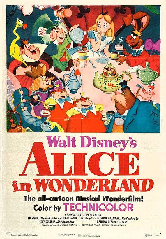 Pin De Sooji En Retro Movie Posters ϟ Carteles De Disney Carteles De Películas De Disney Animación Disney