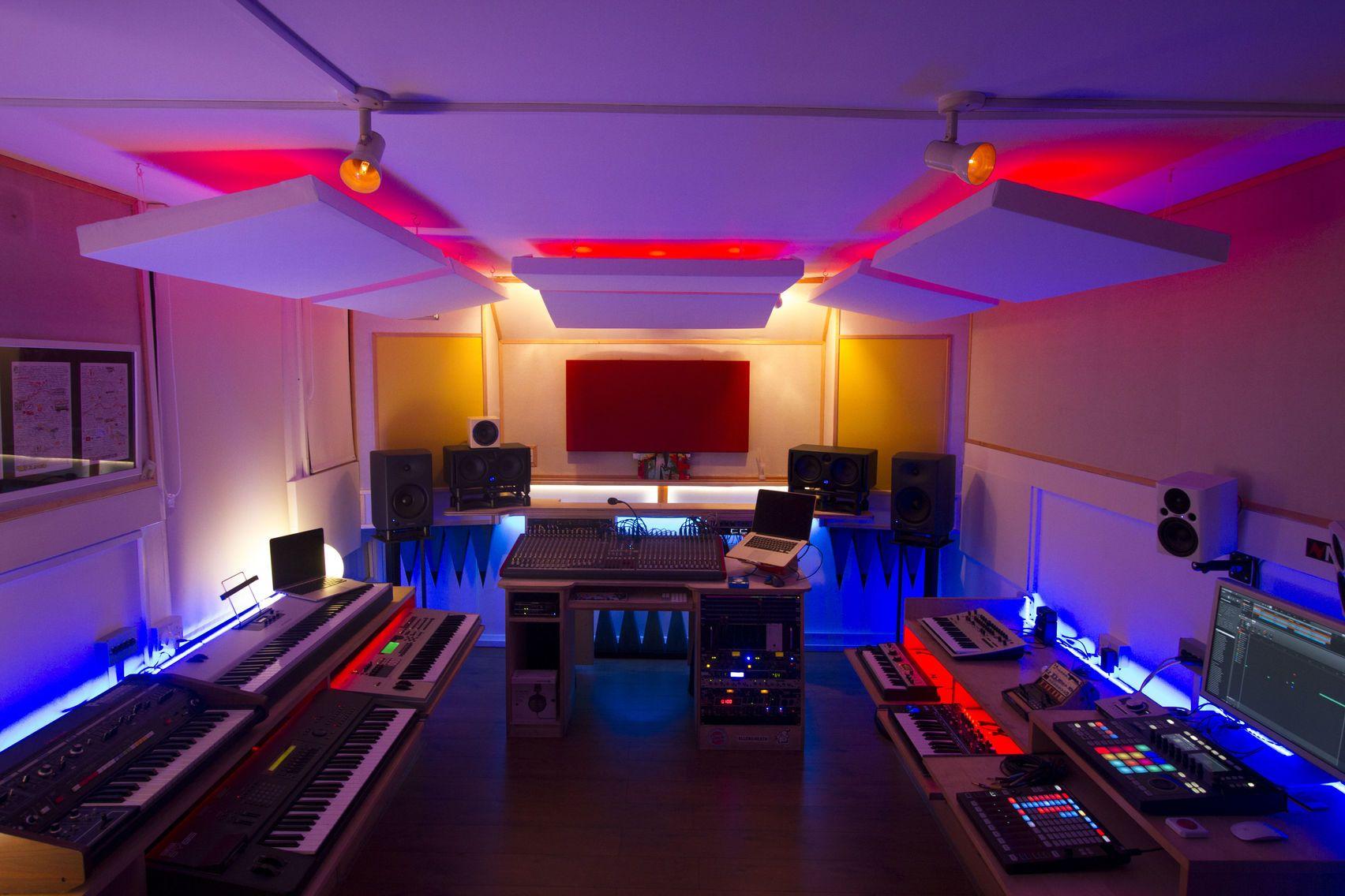 detail_Studio_9_.jpg (1704×1136) Recording studio, Music