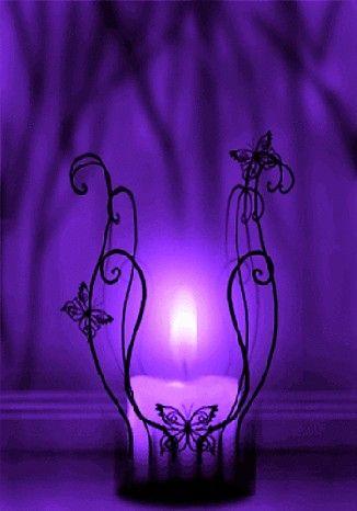 I Saw The Light Lila Kerzen Lila Tapeten Licht In Der Dunkelheit
