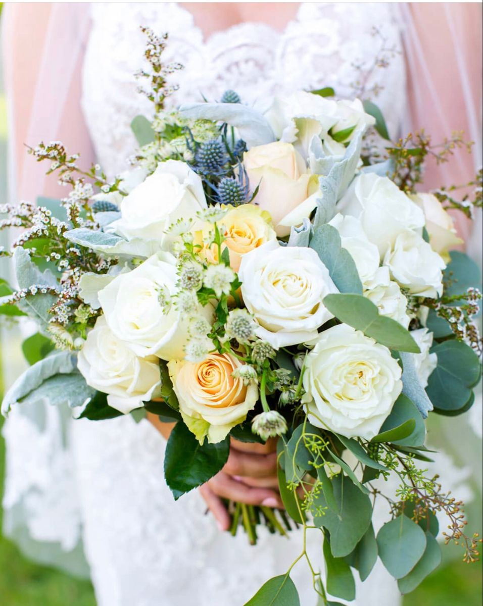Wedding Bouquets In 2020 Wholesale Flowers Wedding Wedding Flowers Wedding Bouquets