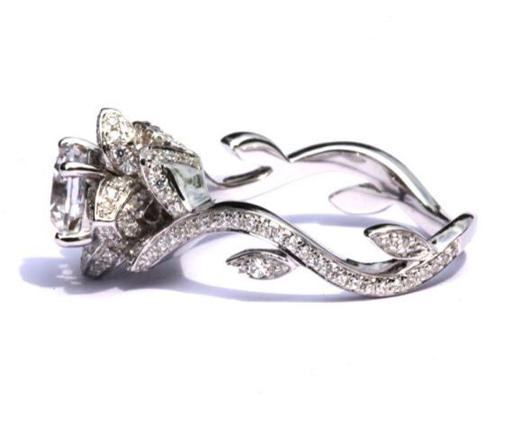 A beautiful engagement ring inspired by beauty and the beast Disney ...