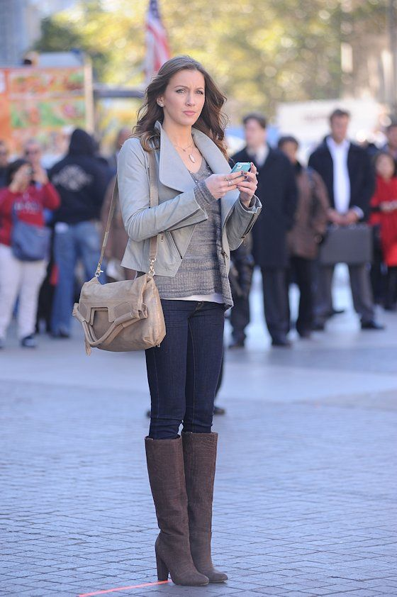 Katie Cassidy, cute fall outfit.