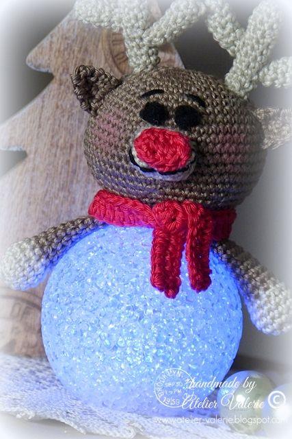 Grappige Rudolf Met Zijn Grote Rode Neus Op Een Lichtbol De Led