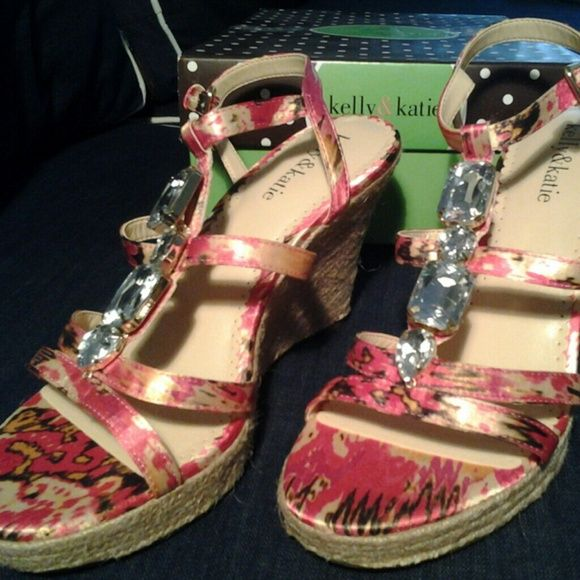 11e8b0e2e5b5 KELLY   KATIE WEDGE SANDALS Pink and gold wedges with a bit of bling.  Pretty Kelly   Katie Shoes Wedges