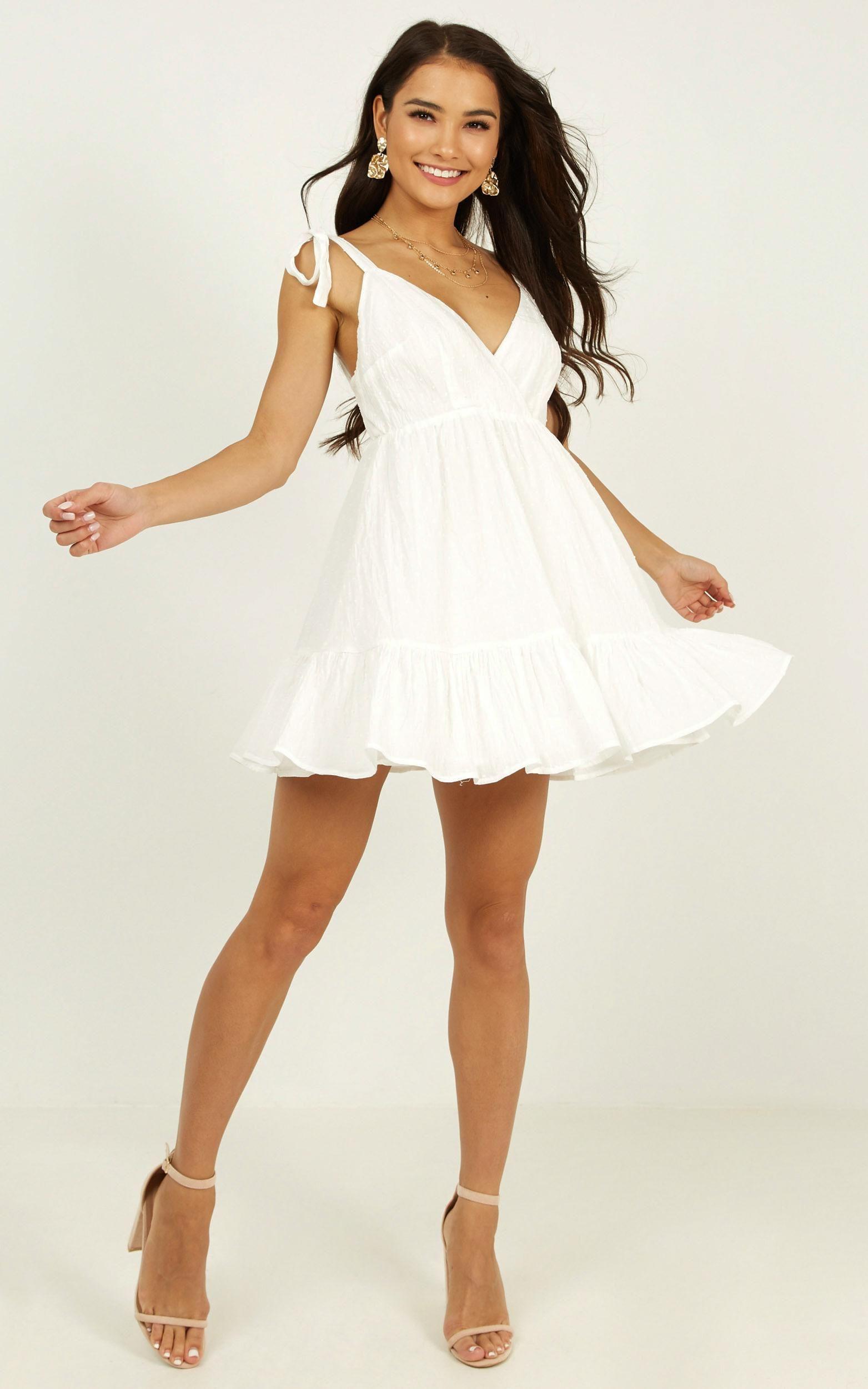 Pin On Fancy Dresses [ 2500 x 1563 Pixel ]