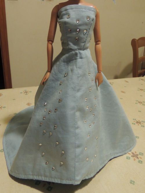 Barbie reine des neiges sewing clothes and dolls - Barbie reine des neiges ...