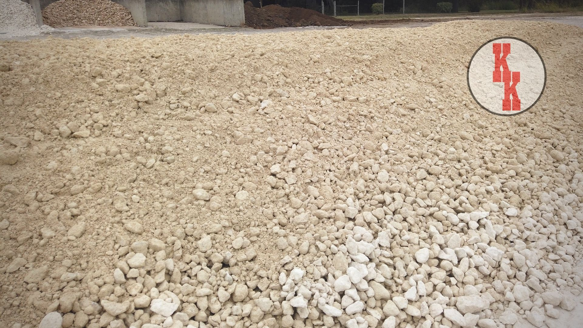 A Crushed Limestone Road Base Gravel Driveway Is A Classic Low Maintenance And Inexpensive Solution For In 2020 Gravel Driveway Gravel Landscaping Company