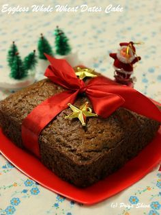 Eggless Whole Wheat Dates Walnut Cake - Eggless fruit #cake for #Xmas made with whole wheat flour, dates and goodness of walnuts!