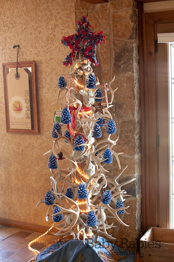 CHRISTMAS TREE~A country Christmas tree - made with antlers and - country christmas decorations