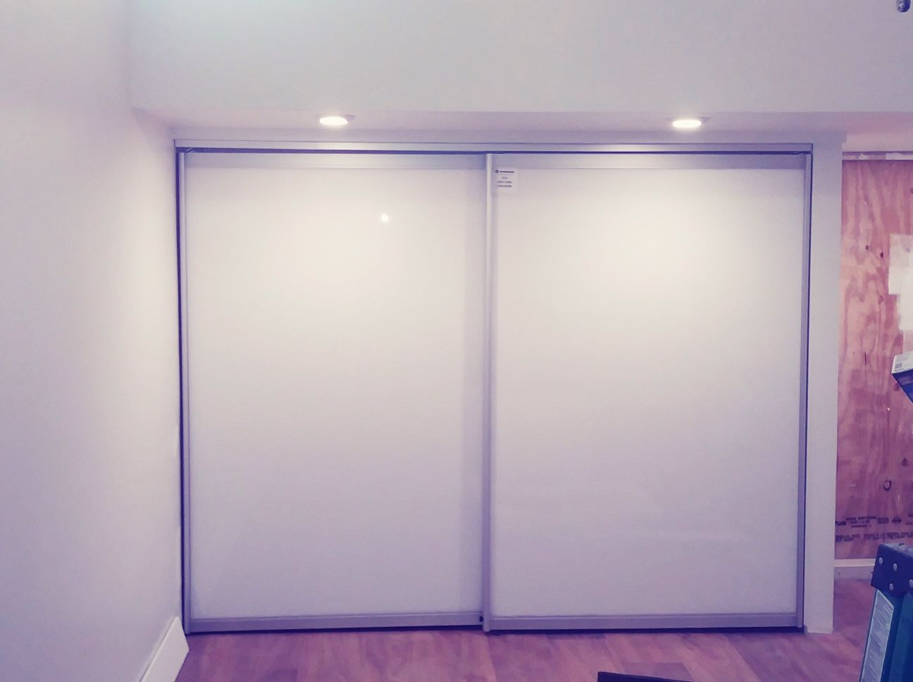 Modern Barn Door As Opposite To Rustic Style Barn Door Fashion Snow White Glass Sliding Door Hanged W With Images Modern Closet Doors Glass Closet Doors Modern Barn Door