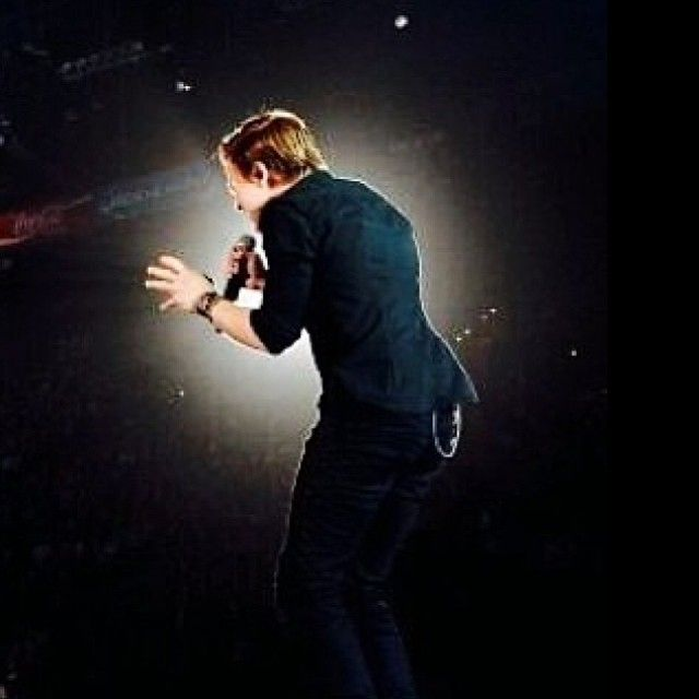 singing invisible... this is such a beautiful picture