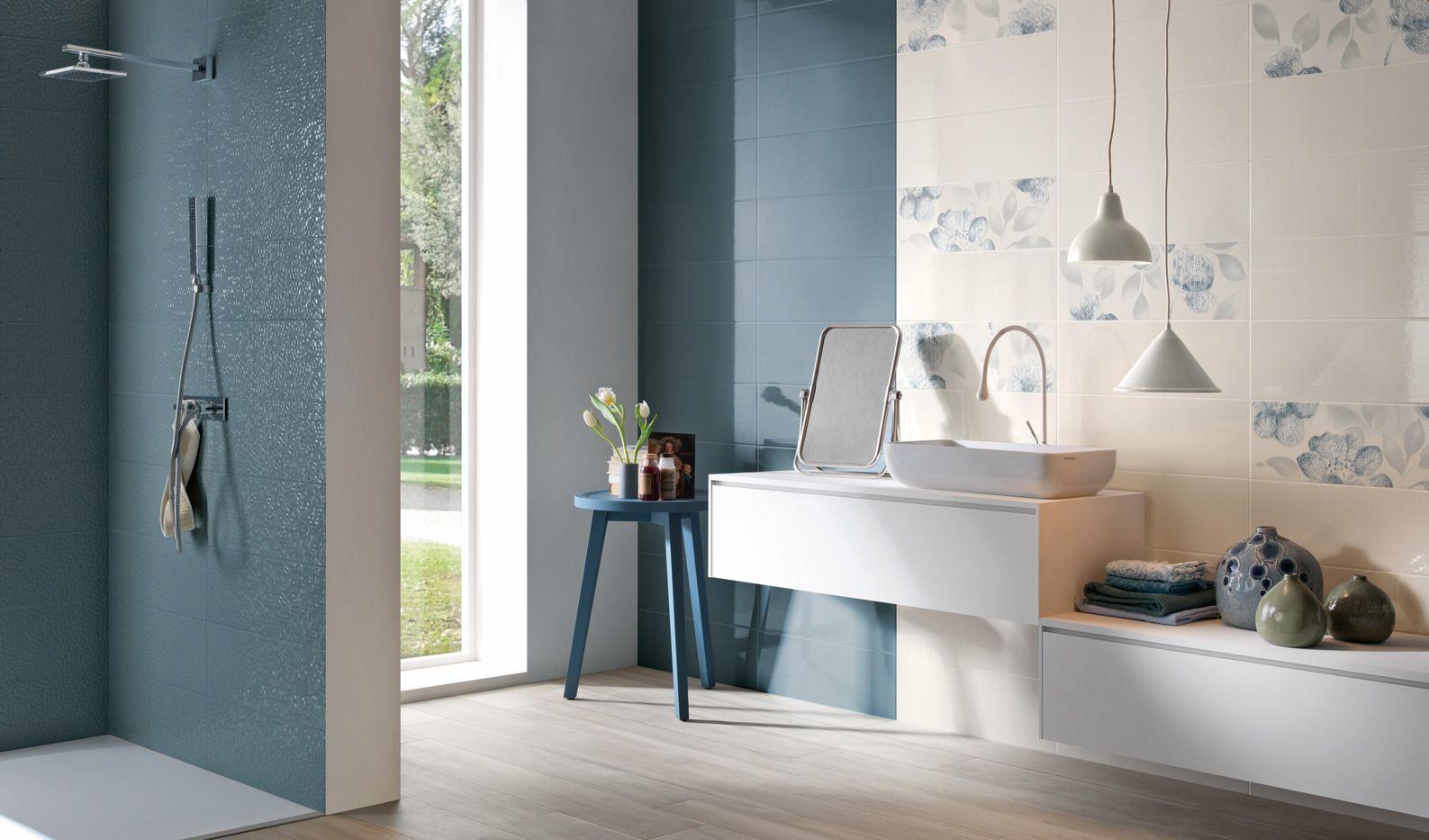 Un bagno moderno dai colori delicati gres effetto legno bianco della serie silverline e a - Rivestimento bagno effetto legno ...