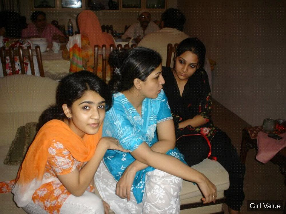 pakistani three girls in shalwar kameez salwar