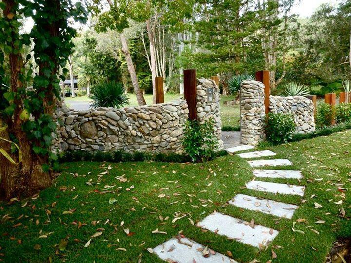 Muro de piedra perimetral Pinterest Muro de piedra, Piedra y