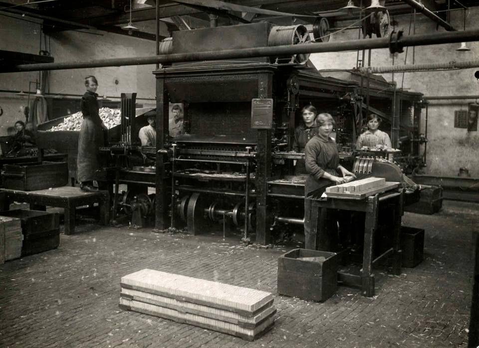 Dit was de inpakafdeling van de luciferfabriek.