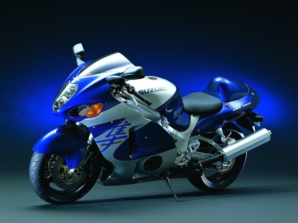 Suzuki gsx r1300 hayabusa i rode one this year and this color once