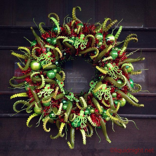 My tentacular wreath creature, completed at last.