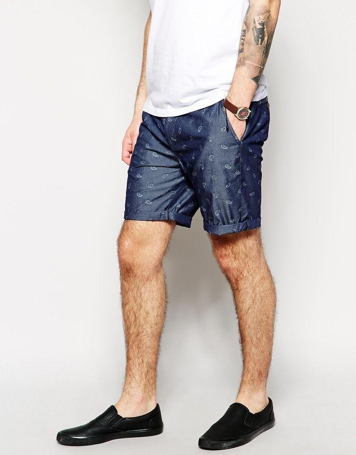 €36, Dunkelblaue Shorts mit Paisley-Muster von Asos. Online-Shop: Asos. Klicken Sie hier für mehr Informationen: https://lookastic.com/men/shop_items/261140/redirect