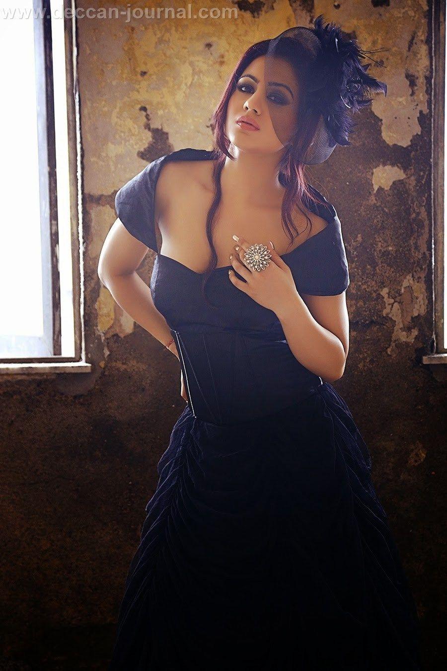 Cleavage Angelina Love nude photos 2019
