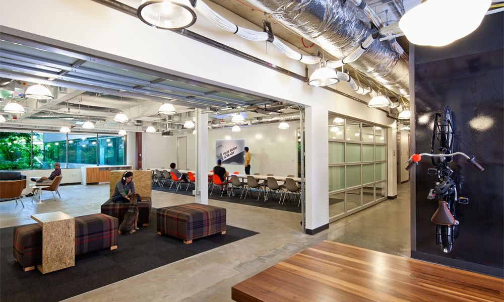 Microsoft Office Garage Doors to separate spaces Oficinas - innovatives interieur design microsoft