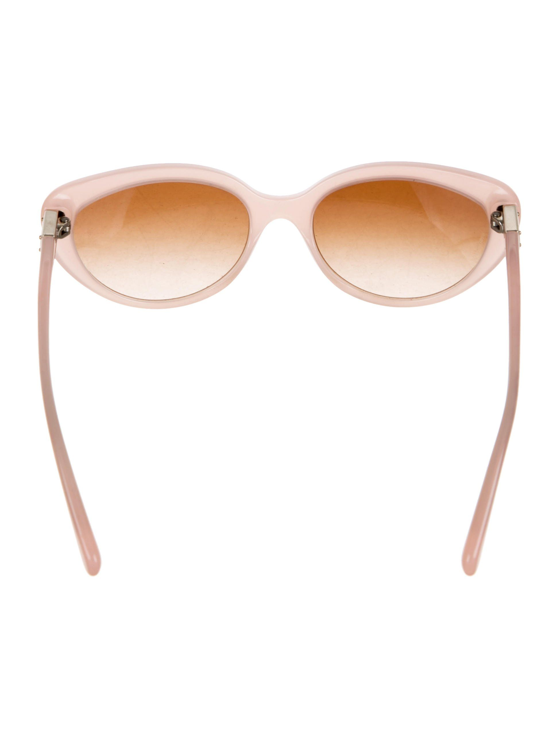 421aedff26c9 ... Womens Fashion Casual by Sundaymor. Pink acetate Dolce   Gabbana  cat-eye sunglasses with gradient lenses and logos at arms