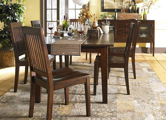 I love the Marley table & chairs from Havertys for Holiday ...