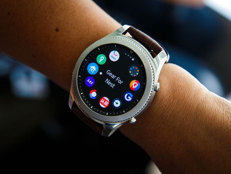 Everything you need to know about the Samsung Gear S3, including impressions and analysis, photos, video, release date, prices, specs, and predictions from CNET.