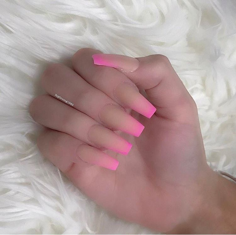 Ombre Pink And Nude Coffin Nails Beautifulnails In 2019 Umbre