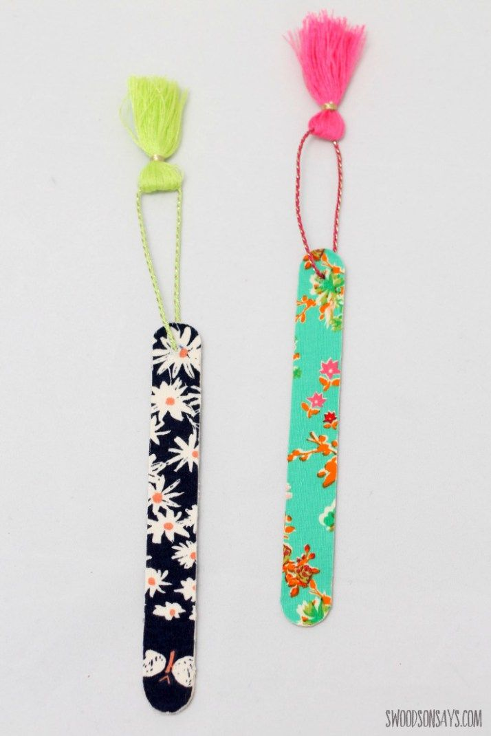 How To Make A No Sew Fabric Bookmark is part of Craft stick crafts - I love using up fabric scraps and can never have enough bookmarks, so this fast and easy craft shows you how to make a no sew fabric bookmark! It's hard to find ideas to use