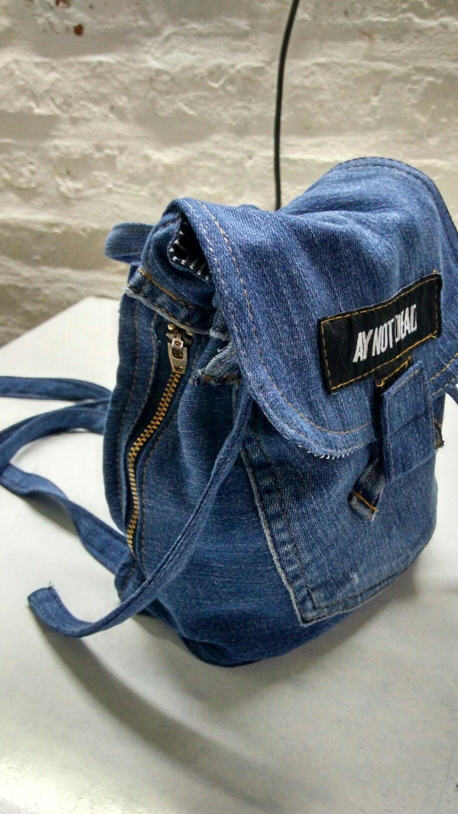 Práctica mochila de un jean viejo