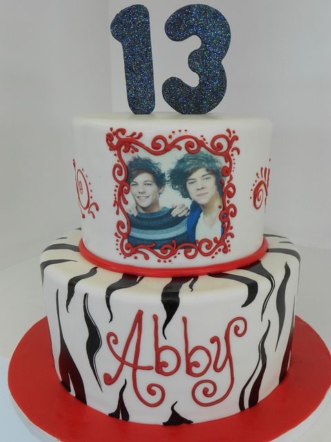 Sensational One Direction Cake 1591 13 Birthday Cake One Direction Funny Birthday Cards Online Elaedamsfinfo