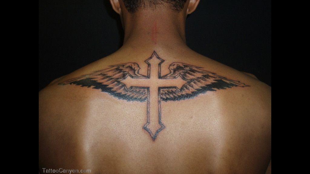 Idee Tatouage Homme Haut Du Dos Tatouage Tatouage Croix Tatouage Croix Pour Hommes
