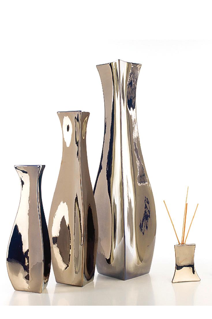 Bermuda #ceramics #homelivingceramics #metal #silver #vase #homeaccessories #interiordesign   www.arfaigm.com