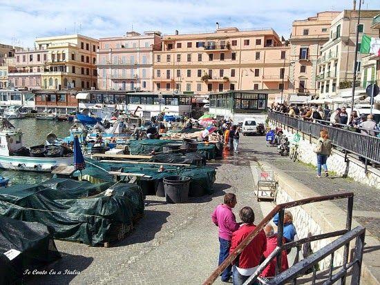 Um Almoco Em Anzio Italy Street View Scenes
