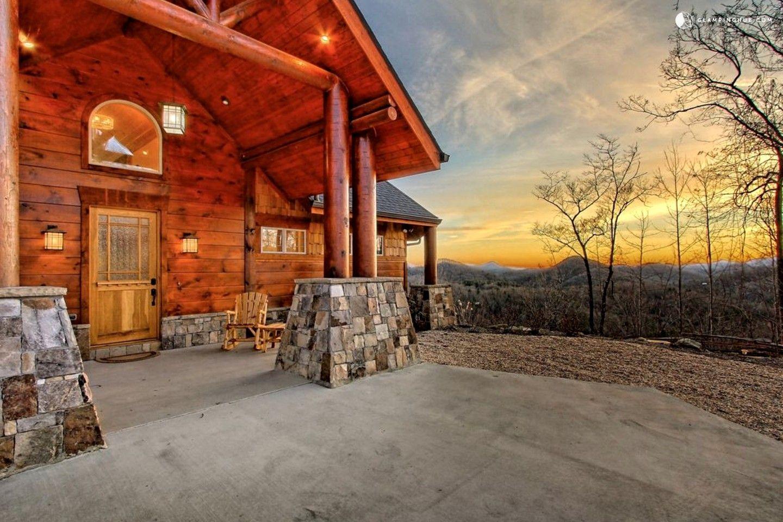 Beautifully Decorated Luxury Cabin near Lake Burton in