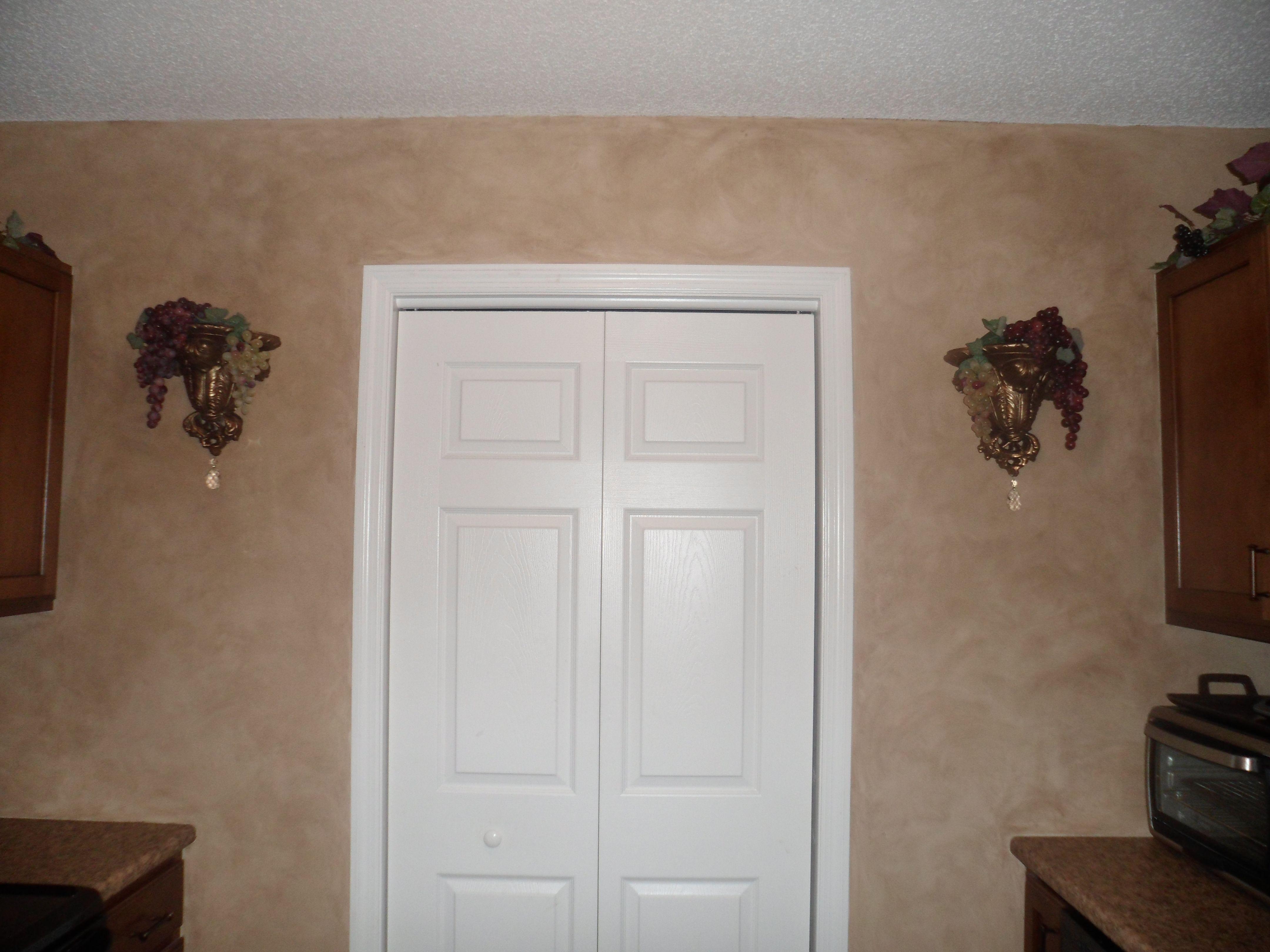 paint looks like wallpaper! lowes interior glaze paint