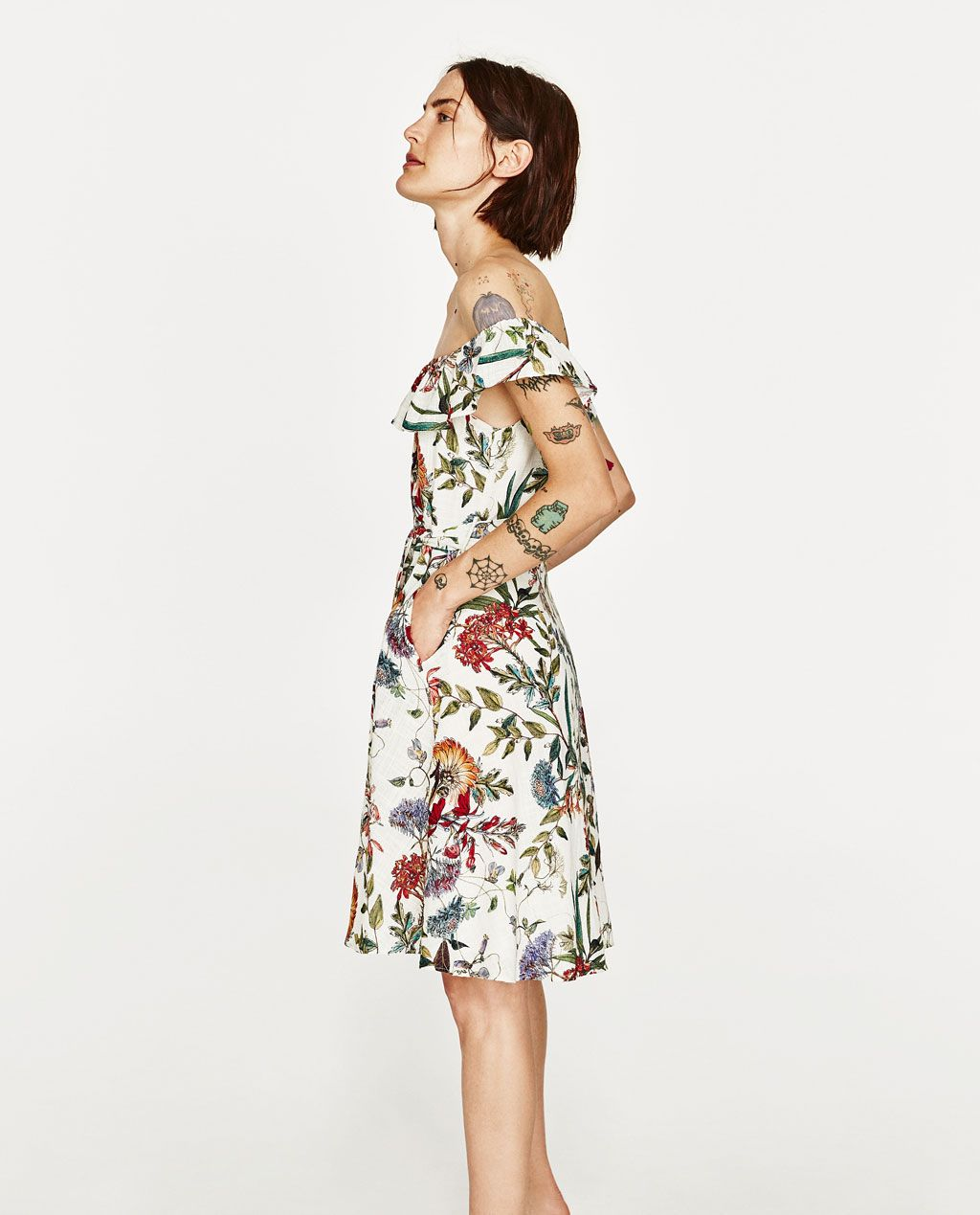 bad2c6d35ba Image 4 of FLORAL PRINT LINEN DRESS from Zara Printed Linen
