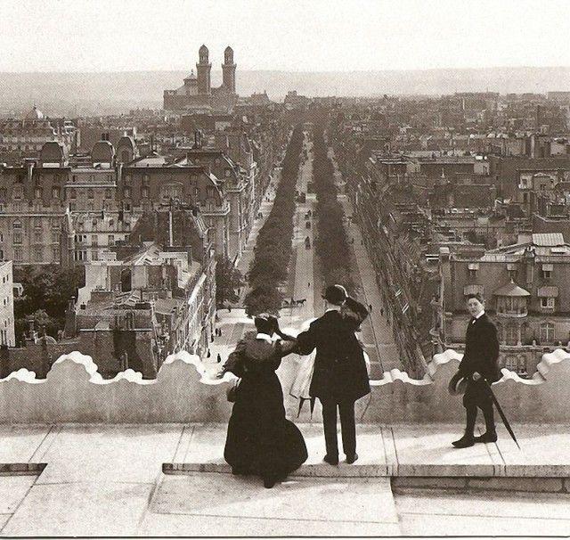 On The Arc de Triomphe, 1900s