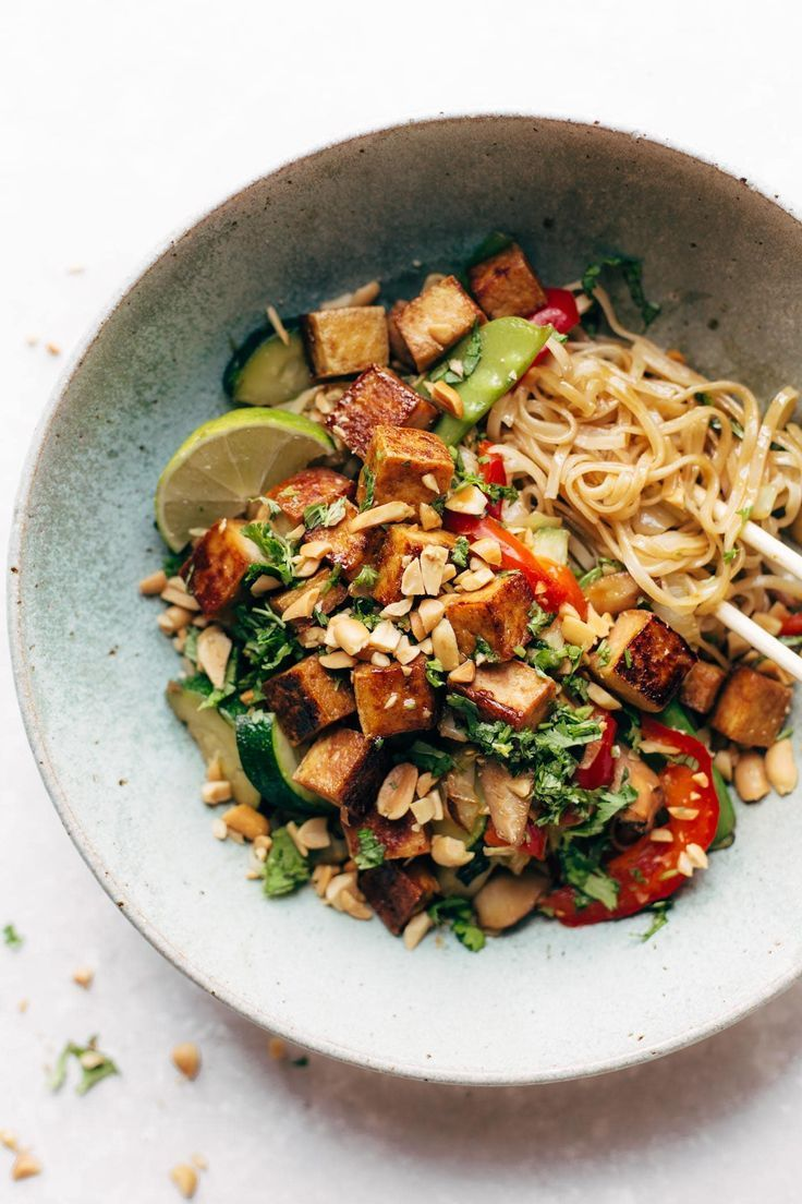 Back Pocket Stir Fry with Noodles - simplicity wins. brown rice noodles with tofu and all kinds of colorful veggies for a quick and easy dinner! vegan, vegetarian. #vegetarian #vegan #cleaneating #healthy       Rice is one of the main nutrients consumed all over the world and is consumed more, especially since it is produced more in coastal areas. Since consuming excessive rice, which is nutritious when consumed in the right amounts, can have harmf... #Fry #Noodles #Pinch #Pocket #Stir #Yum