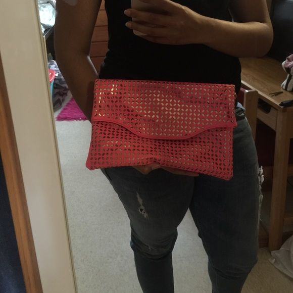 Pink & Gold Clutch Nice clutch for everyday wear & nice size Bags Clutches & Wristlets