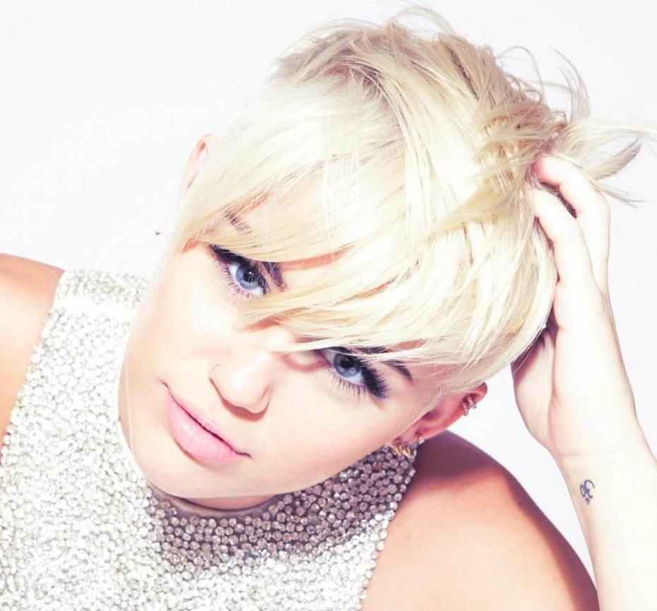 """Entrevista a Miley Cyrus: """"Espero volver muy pronto y presentar mi álbum en España"""" » Del 40 al 1 - LOS40.COM"""