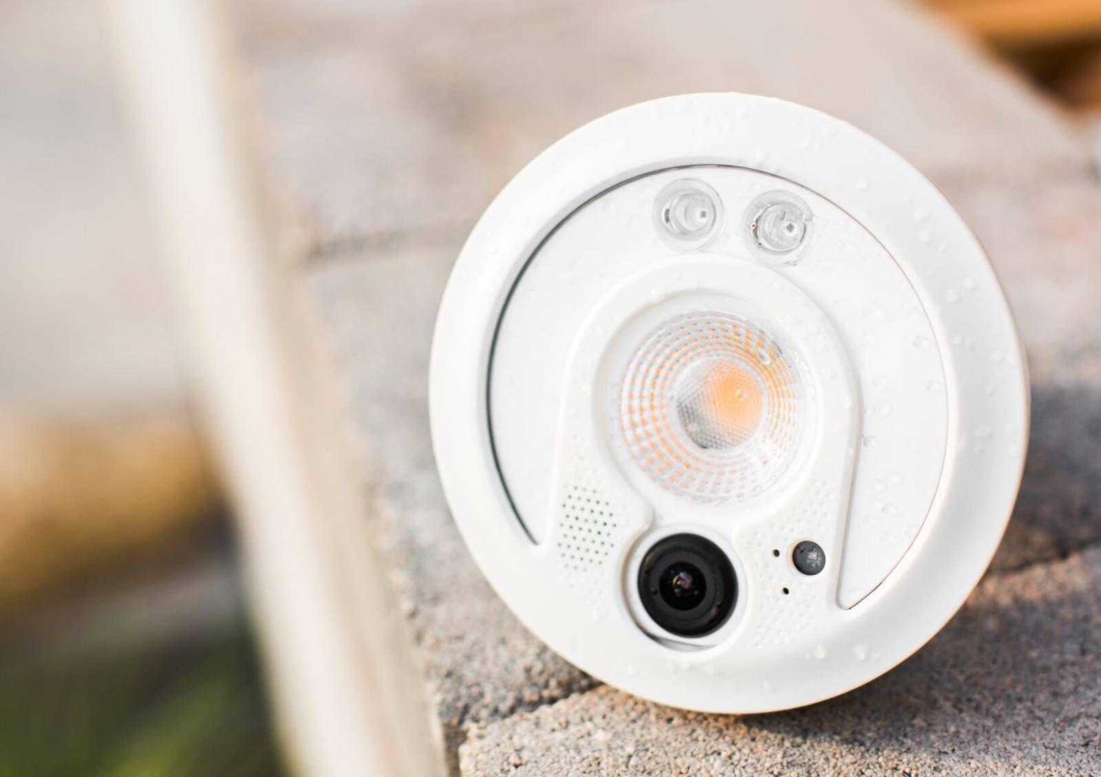Sengled Snap wurde auf der IFA 2016 gezeigt und kombiniert eine LED-Leuchte mit…