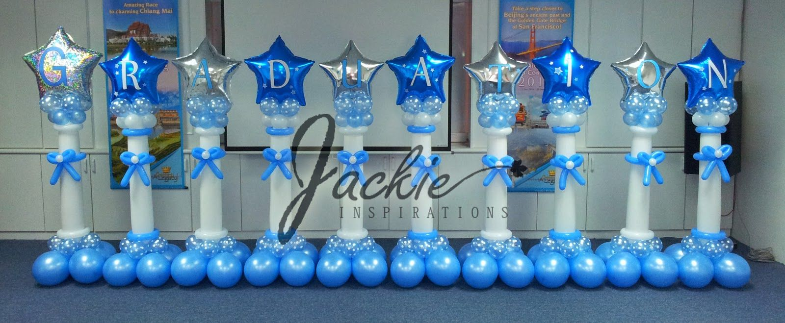 Graduation centerpiece ideas with balloons graduation for Balloon decoration ideas for graduation